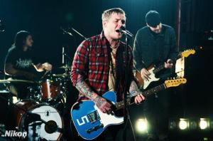 2421369-gaslight-anthem-candid-covers-12-617-409